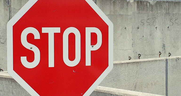 Stop 705669 1920